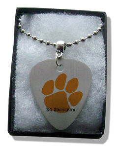 Ed-Sheeran-Orange-Paw-Metal-Guitar-Pick-Necklace-Chain