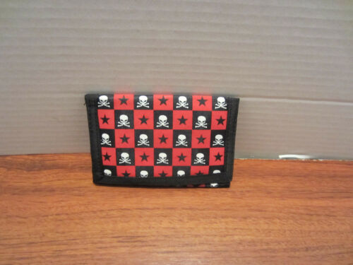 MENS  CHAIN TRIFOLD  WALLET BLACK  RED CHECKER WITH SKULL AND STARS
