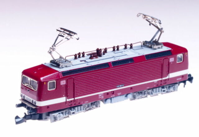 88431 Marklin Z Electric Loco Class 143 DB Red and white LED's