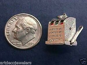 Vintage-silver-LAS-VEGAS-SLOT-MACHINE-MOVEABLE-GAMBLING-charm-MOVABLE-SPINS-M