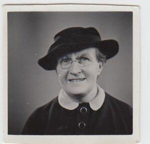 (f25620) Orig. Photo Portrait D'une Femme M. Lunettes U. Chapeau 1935-afficher Le Titre D'origine