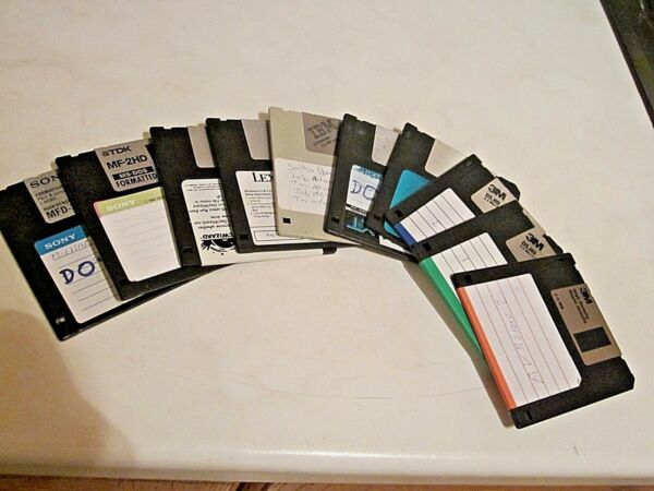 """10 X Floppy Discs 3.5"""" With Various Memory. Erased, Formatted & Tested! Modieuze (In) Stijl;"""