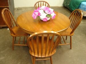 solid wood round oak dining table w 4 chairs houston