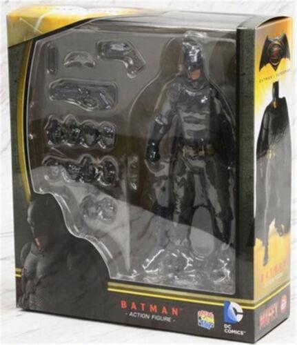 Mafex 017 DC Comics Batman vs Superman PVC Action Figure Box Packed