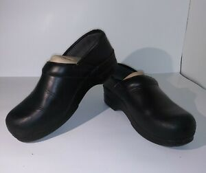 Dansko WIDE XP 2.0 Pull Up shoes clogs