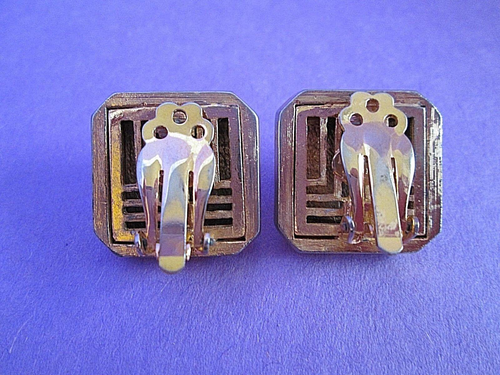 Lanvin Paris Gold Tone Clip Earrings Signed Vinta… - image 3