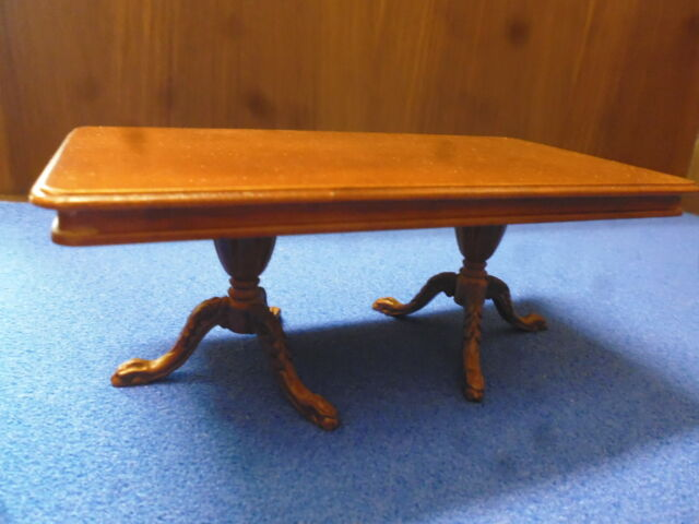 Dolls House Quality   Walnut Dining Table      JiaYi  059-03