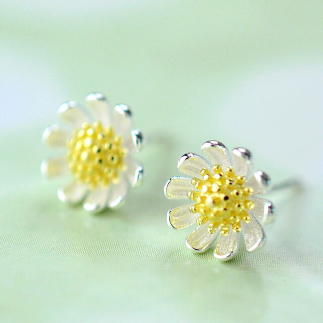 Lovely Daisy Flower Ear Stud Earrings Women's Silver Plated Fashion Jewelry Gift