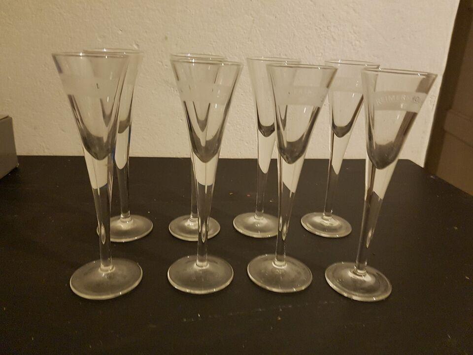 Glas, Snapsen glas, Snaps