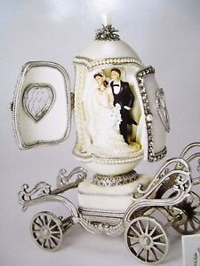 AUTHENTIC JEWELED GOOSE EGG ~ BRIDAL CHARIOT ~ MUSICAL #30358