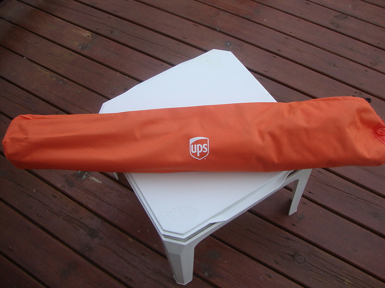 UPS  United Parcel Service Folding Camping Sports Chair  fantastic quality
