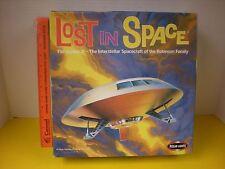 2000 POLAR LIGHTS LOST IN SPACE JUPITER 2 ROBINSON FAMILY UFO SPACESHIP