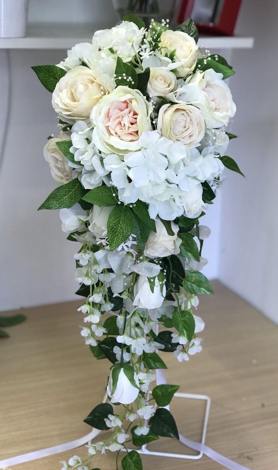 Mariage Fleur nuptiale Larme Bouquet, Vintage Rose Rose Affichage. Grand