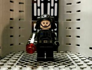 New Lego Star Wars Recruitment Officer Minifigure with Blaster 75207