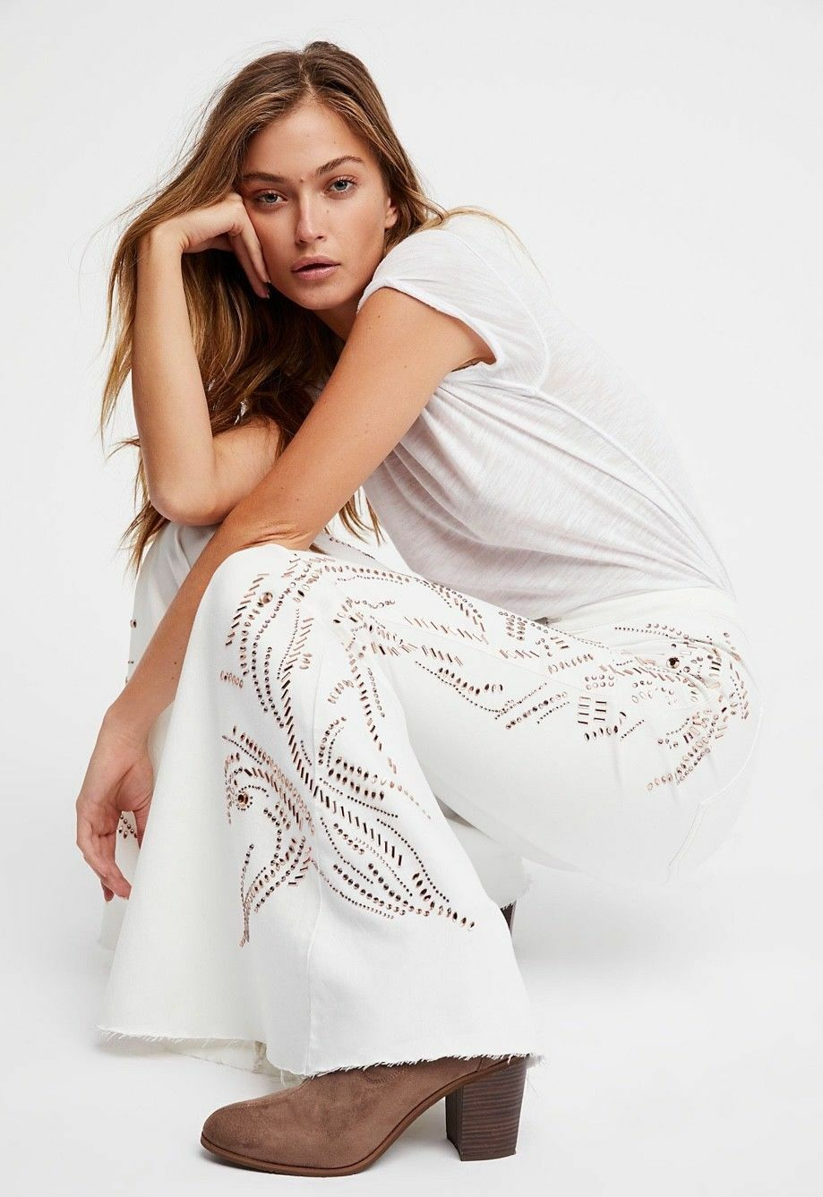 NWT FREE PEOPLE FLOAT ON EMBELLISHED JEANS SZ 28   SFS