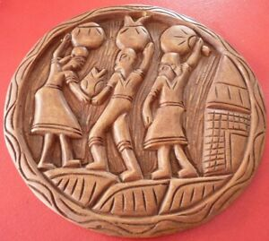Nice-and-vintage-Wood-Plate-Sculpture-Old-Tribal-Ornament-WOW