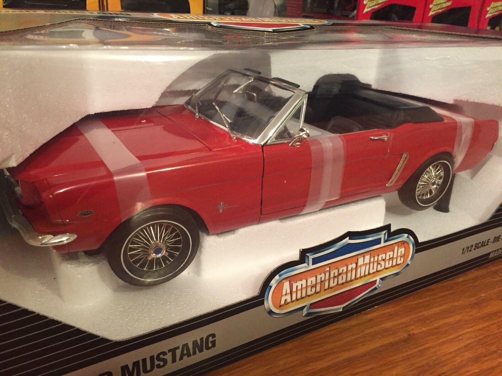 Ertl 1 12 19641  2 Ford Mustang Congrönible Item 8776