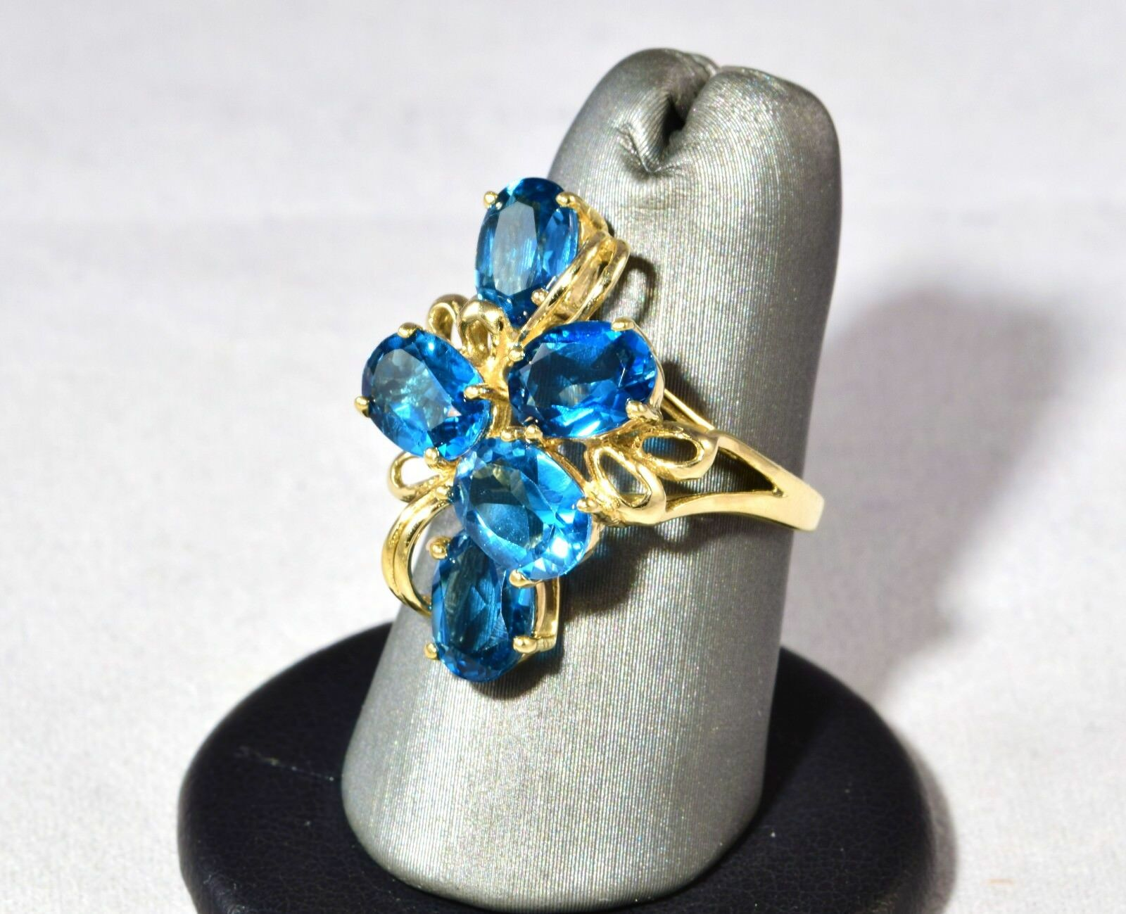 10K gold Sparkling blueee Topaz Ring Size 5.5 Mint Beautiful Estate