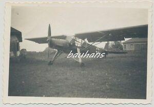 Foto-Russland-Feldzug-Flugzeug-Fieseler-Storch-Fi-156-mit-Kennung-2-WK-e633