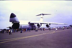 1-81-Lockheed-C-5A-Estados-Unidos-Air-Force-Deslizar