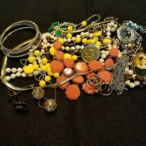 Vintage-To-Now-Wearable-Treasures-Mixed-Fashion-Jewelry-Lot-Resell-13-Piece-11-A