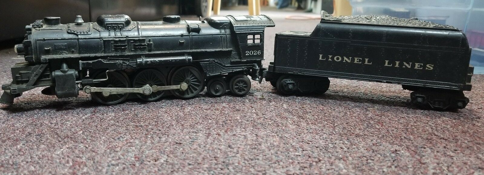 Lionel 2026 Steam Engine With Coal Car b-z