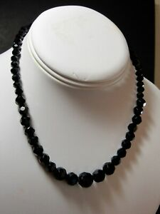 Vintage-Signed-1928-Brand-Jet-Black-Glass-Faceted-Bead-Graduated-Necklace-EUC
