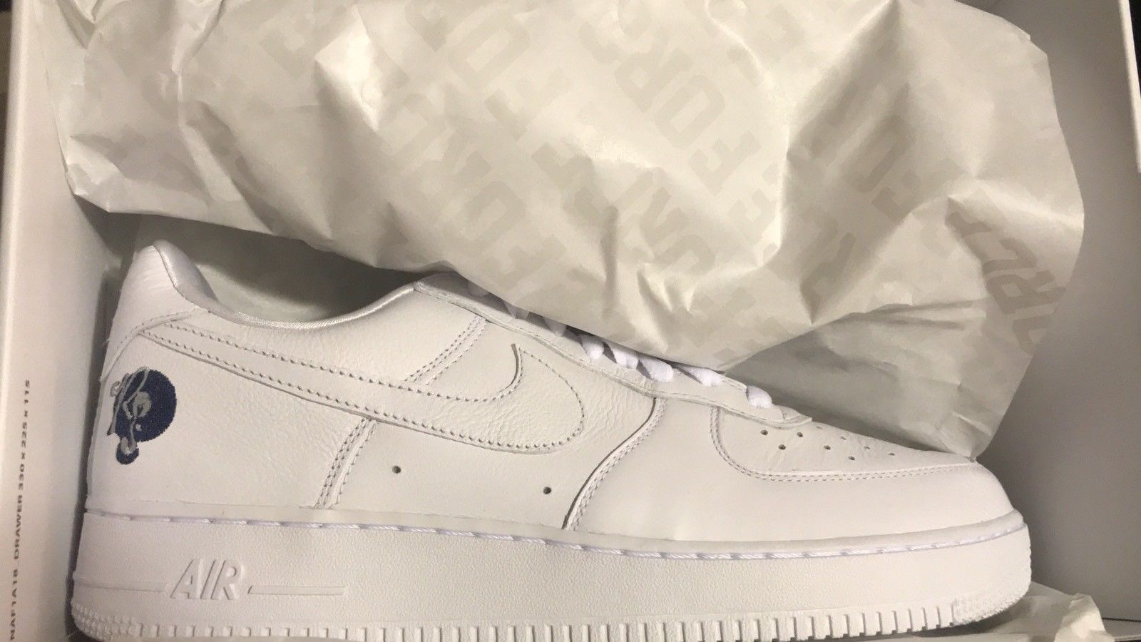 Nike Air One Force 1 One Air Low 07 ROC A FELLA blanc ROCAFELLA AO1070 2bcdbe
