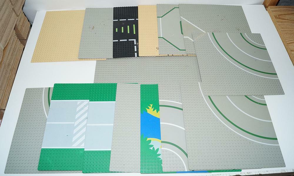 Lego Baseplate Lot of 15 Road 32 x 32 and 48 x 48