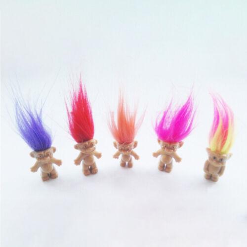 Nette 5Pcs glückliche Troll Puppe Kobolde Minifigur Spielzeug Feder Kuchen Dekor