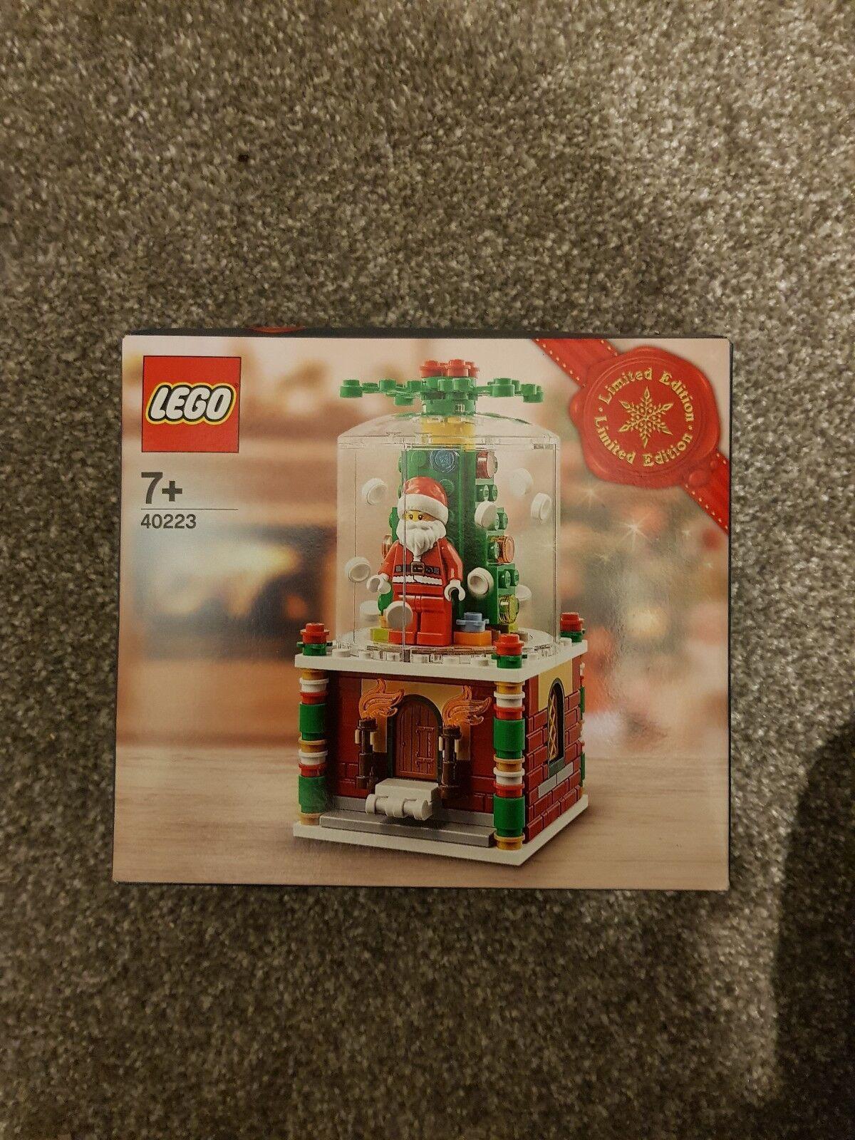 Lego Snow Globe - 40223 - LIMITED EDITION - Discontinued BNIB