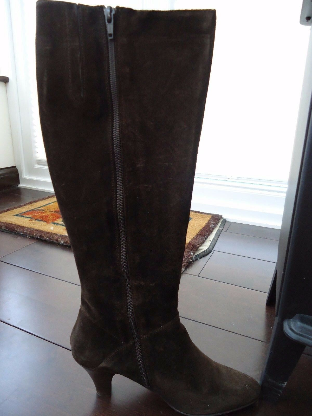 Ladies Boots Size 6 KEW in box  Only worn once
