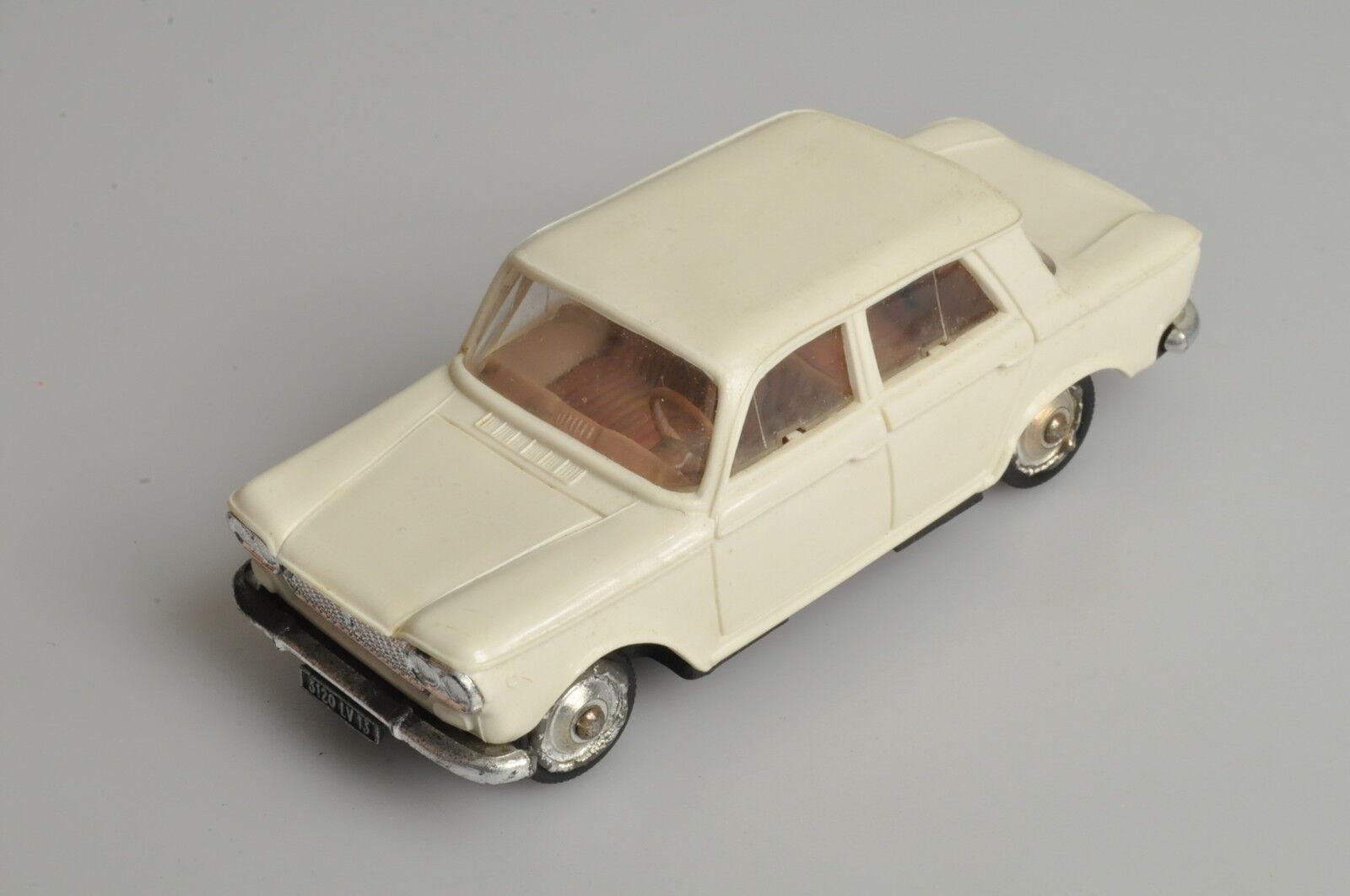 J655 Ancien Norev  45 1 43 Fiat 1500 en plastique A -