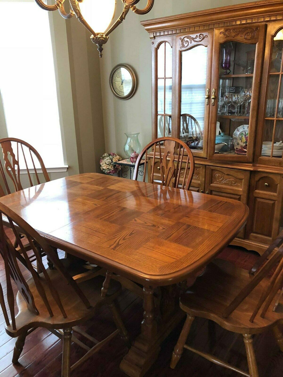 10 piece Formal Dining Room Set: Oak table 6 chairs China Cabinet Extensions