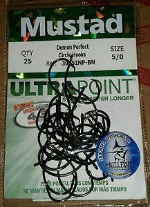 25 Mustad Ultra Point 5//0 Demon Perfect Circle Fishing Hooks 39951NP-BN Qty