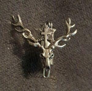 VINTAGE-small-Scottish-Stag-cross-star-silvertone-Brooch-Celtic-Clan-Pin-Kilt