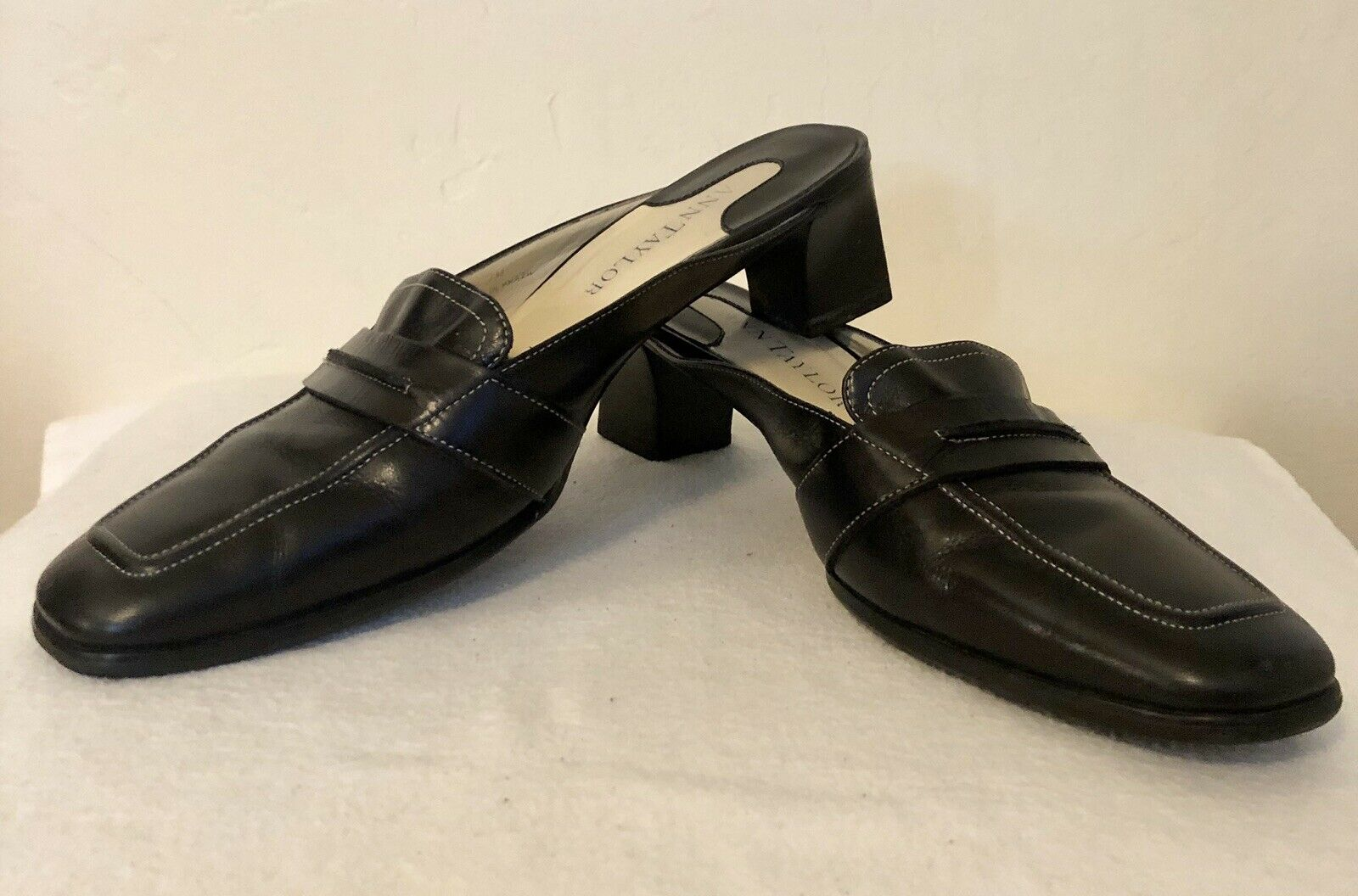 Ann Taylor Women's Loafers Mules Black Leather Slip On Clogs 7 M
