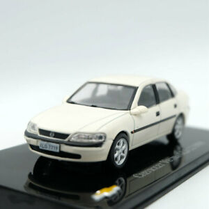 Ixo-Altaya-1-43-Chevrolet-Vectra-GLS-2-2-1998-DIECAST-models-Limited-Edition
