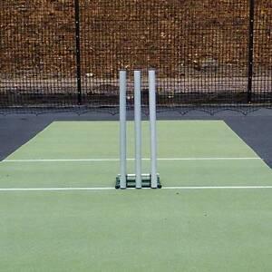 Regulation 6x Wooden Stumps 4x Bails Fluorescent Green ND Cricket Stumps
