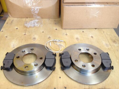 CITROEN SAXO 96/>/>TWO FRONT  DISCS AND FOUR PADS SET//SOLID AND 4 STUD