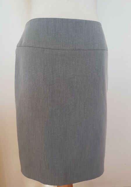 Review skirt with ruffled detail in reverse Size 10 new With Part Tag