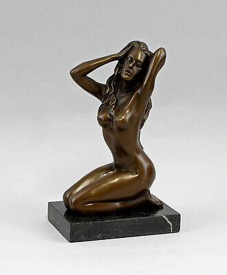 Vorsichtig Bronze Weiblicher Akt Kniend Claude 37753 Delikatessen Von Allen Geliebt