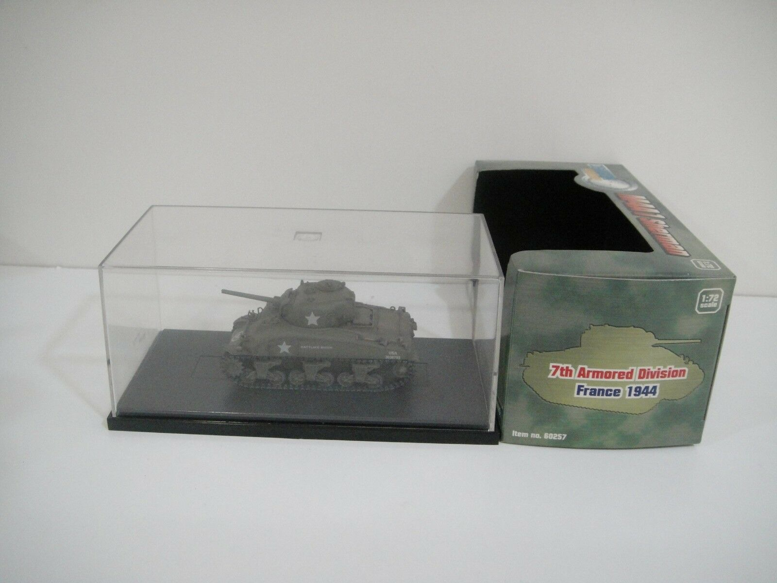 1 72 DRAG0N ARMOR. M4A1 Sherman. 7th Armoruge Division. France 1944