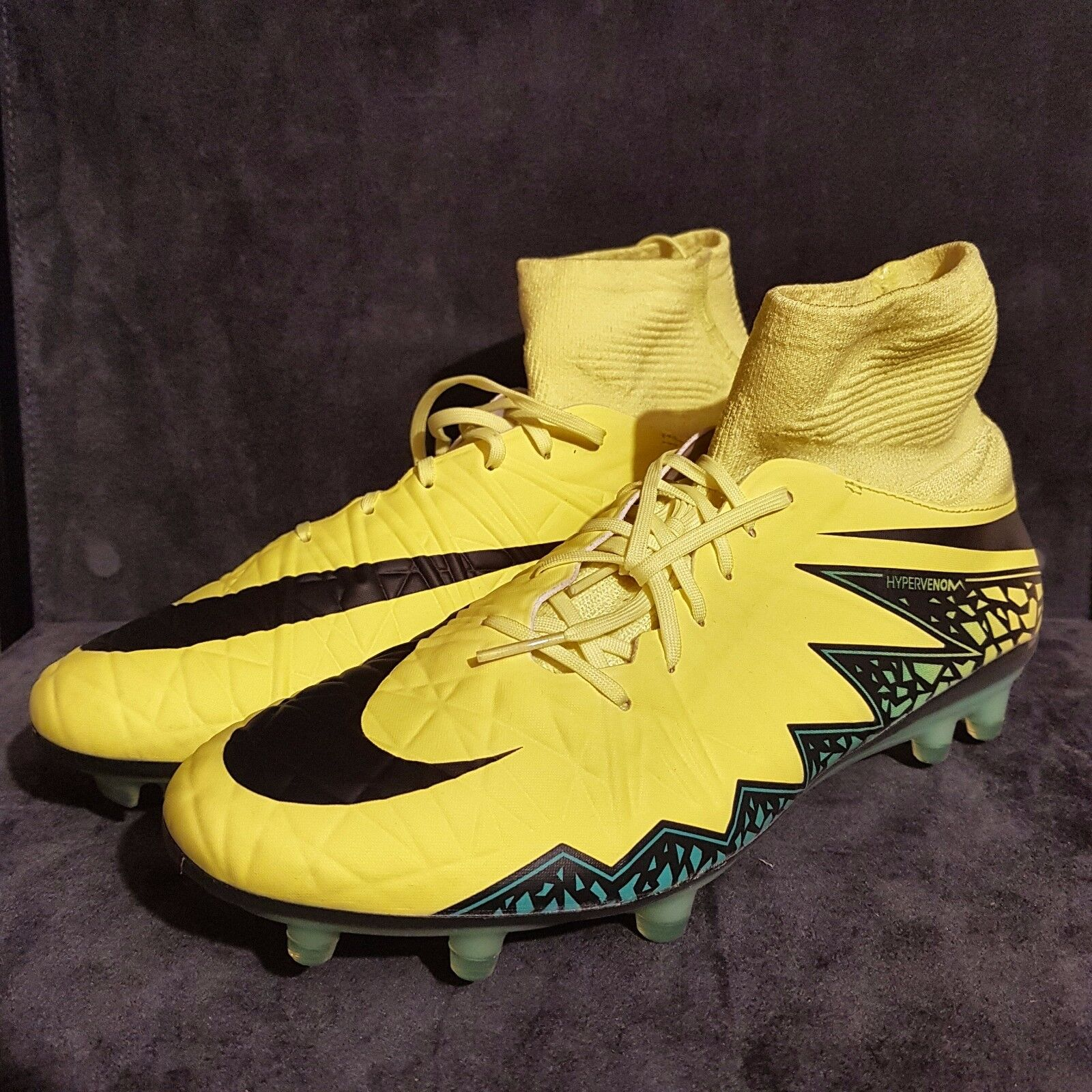 NIKE HYPERVENOM PHATAL 2 DF FG Soccer Cleats US 8,5   EU 42   UK 7,5 (rrp  )
