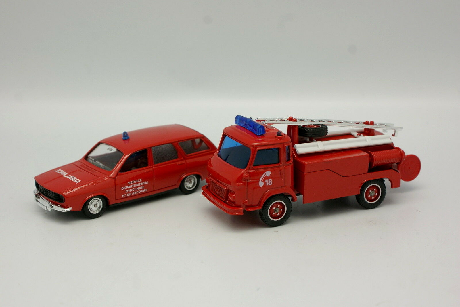 Solido Solido Solido 1 43 and 1 50 - Set of 2 Renault 12 Break Firefighters Saviem SG2 Scale 175c7c