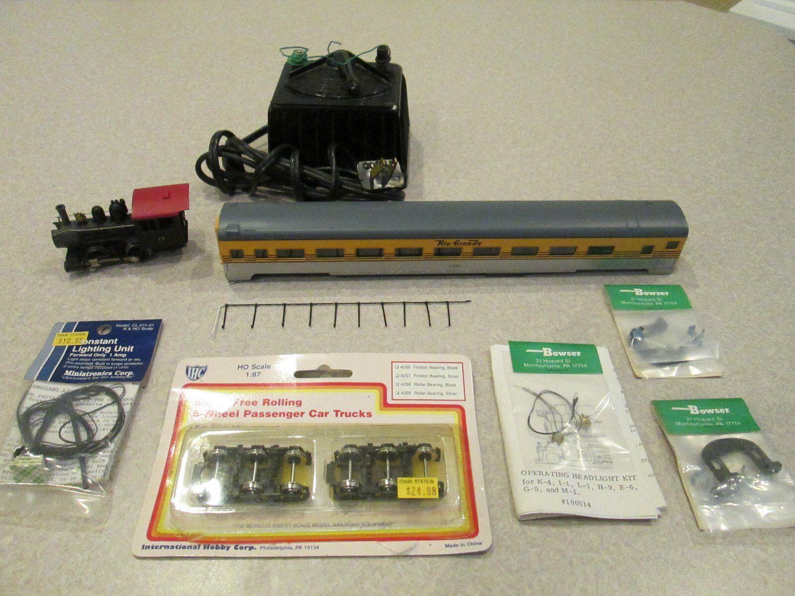 HO scale Train Parts e a Vintage Lionel Transformer