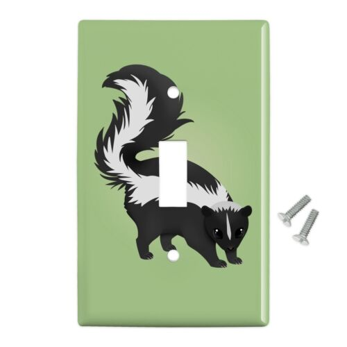 Skunk Posing Plastic Wall Decor Toggle Light Switch Plate Cover
