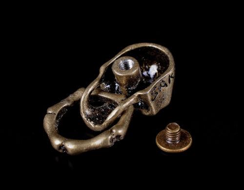 5X Retro Brass Skull Bone Ring Wallet Chain Connector Leathercraft Purse Concho