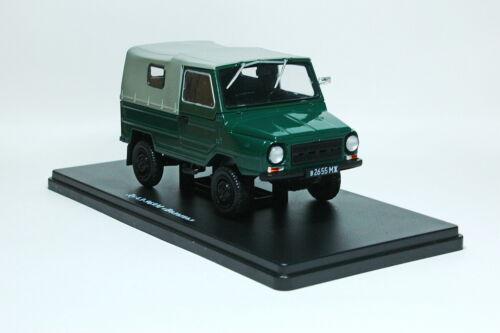 dark//green Luaz 969 Volhynia Scale car 1:24