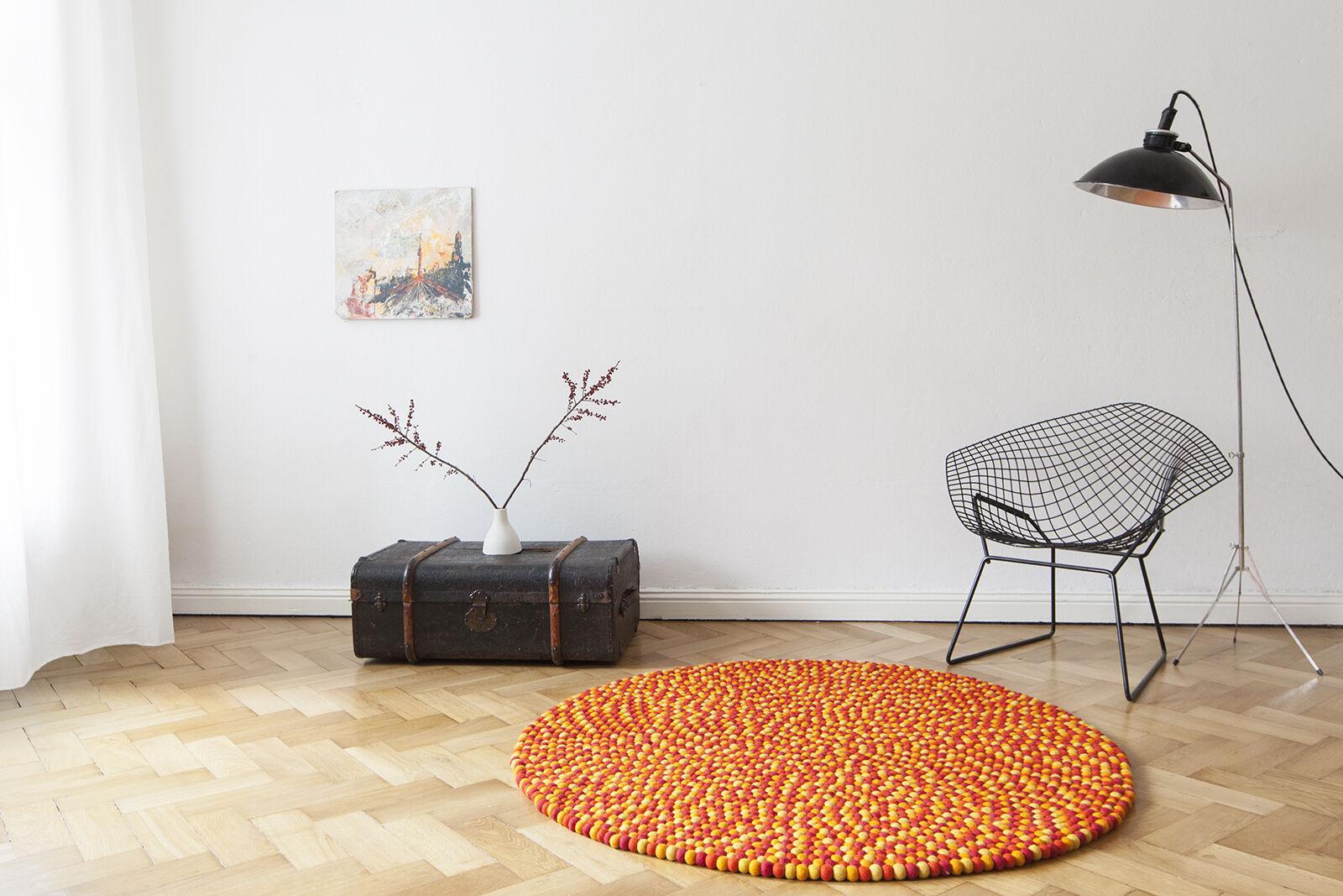 Myfelt Loni 140 140 140 cm Design rot Teppich Wolle Filz-Kugelteppich Kinderteppich bunt 24f3ea
